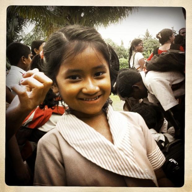 Een van de meisjes op het project