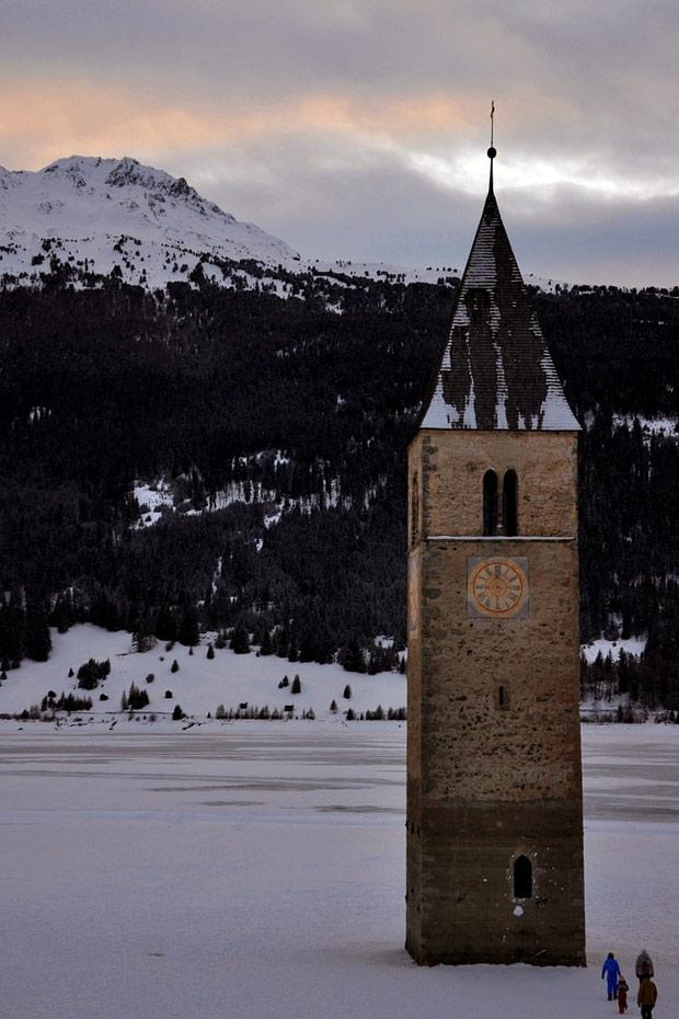 verdronken kerk tirol