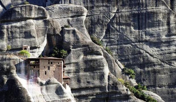Zwevend klooster, Griekenland
