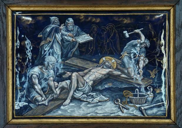 11: Jezus wordt aan het kruis genageld