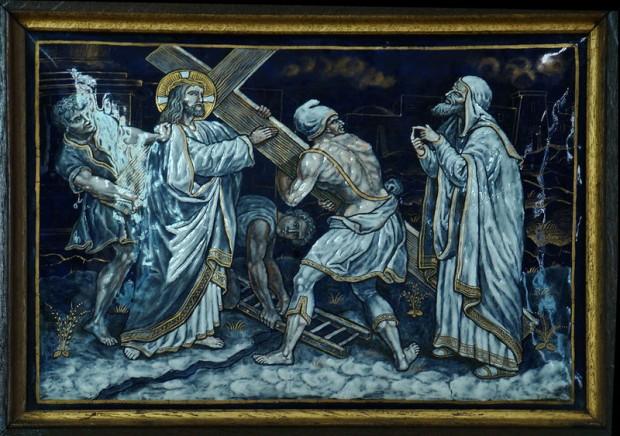 2: Jezus neemt zijn kruis op zich