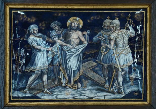 10: de kleding wordt van Jezus afgenomen