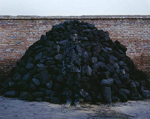 liu bolin hitc no.95 coal pile photograph 118x150cm 2010