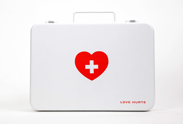 Love Hurts EHBO kit