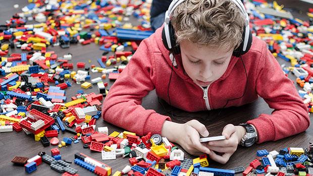 kind op smartphone
