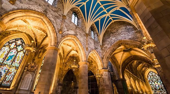 dwalen in kathedralen van grote verhalen