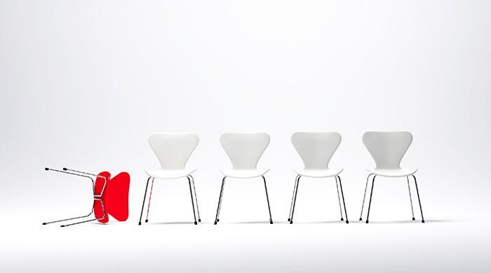 omgevallen stoel