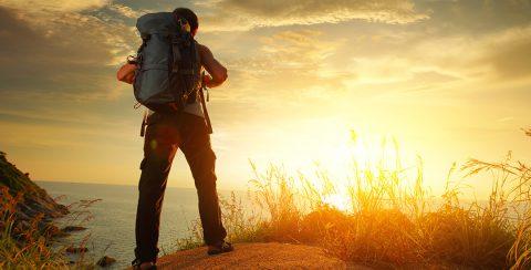 backpacker op reis