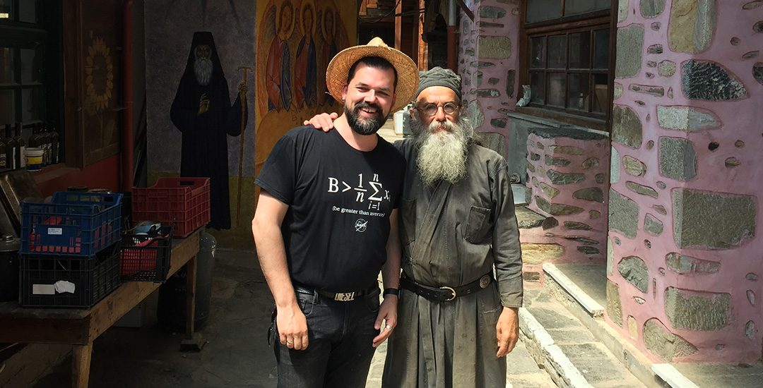 Ik met Father Makarios