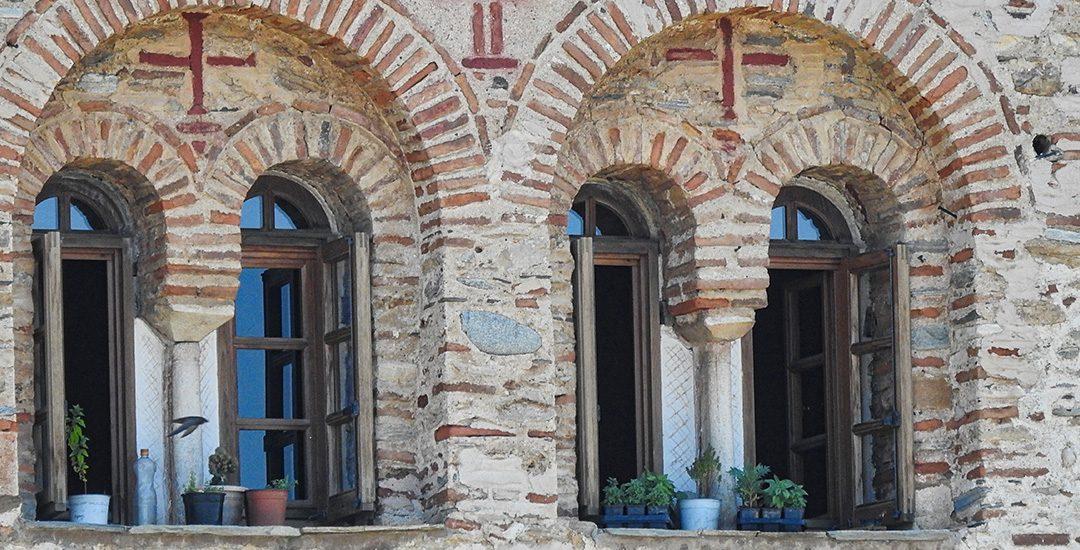Ramen van een van de kloosters